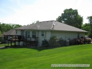 3 BR,  2.00 BTH Single family style home in Douglas