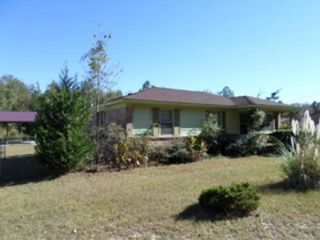 3 BR,  3.00 BTH Single family style home in Newark