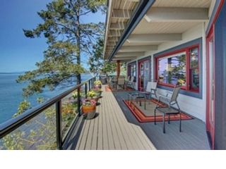 3 BR,  3.50 BTH Cape cod style home in Friday Harbor